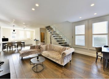 Thumbnail 2 bedroom flat for sale in Netherhall Gardens, Hampstead, London