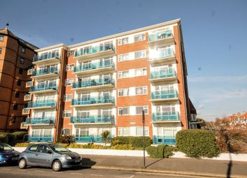 3 bed flat for sale in Langdale Court, Kingsway, Hove BN3