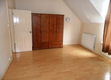 Thumbnail 3 bed duplex to rent in Chatterton Road, Bromley