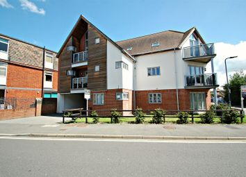 Thumbnail 2 bed flat to rent in Charles Street, Petersfield