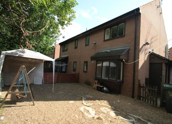 Thumbnail 1 bed maisonette to rent in Copperfields, Luton