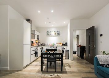 Thumbnail 2 bed flat for sale in Great North Road, Brookmans Park, Hatfield