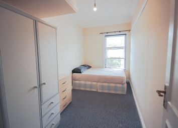 Thumbnail Room to rent in Room 3, Crescent Road