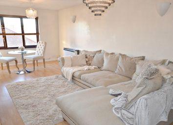 Thumbnail 2 bedroom flat to rent in Littlebrook Avenue, Burnham, Slough