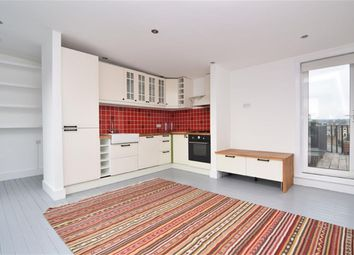 2 bed flat to rent in South Villas, London, London NW1