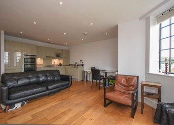 2 bed flat to rent in The Galleries, Warley, Brentwood CM14