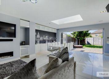 Austins Lane, Ickenham, Uxbridge, Greater London UB10. 4 bed semi-detached house