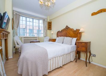 Thumbnail Studio to rent in Chelsea Cloisters, Chelsea, London