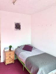 Thumbnail Room to rent in Stroud Avenue, Willenhall