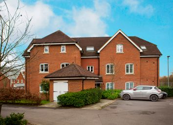 Thumbnail 1 bed flat to rent in Ducketts Mead, Shinfield, Reading