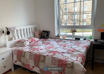 Crompton House, London SE1. 3 bed flat