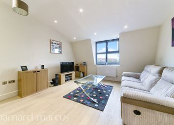 Thumbnail 1 bedroom flat for sale in Barnsbury Lane, Surbiton