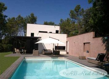 Thumbnail 6 bed villa for sale in Nismes, France