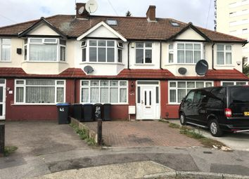 Thumbnail 3 bed flat to rent in Orchardleigh Avenue, Enfield