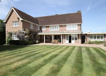 Thumbnail 4 bed detached house for sale in Hadley Common, Barnet, Herts