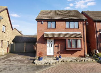 Thumbnail 3 bed detached house for sale in Holly Farm Close, Caddington, Luton