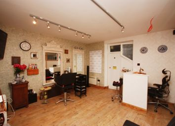 Thumbnail Room to rent in Wellington Terrace, London
