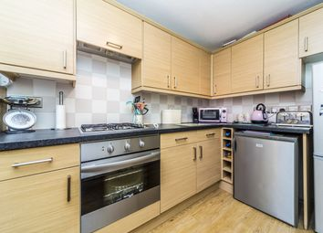Thumbnail 2 bed flat for sale in Hartscroft, Croydon