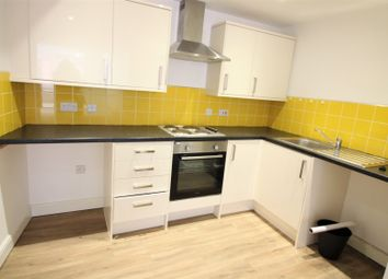 2 bed flat to rent in Cambrian Road, Newport NP20