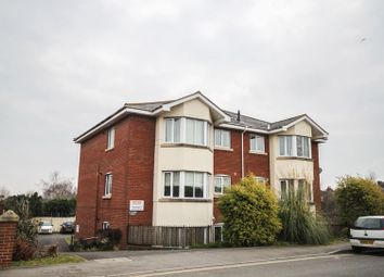 Thumbnail 2 bed flat to rent in Mount Pleasant Road, Exeter