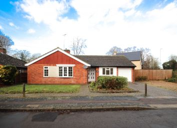 Thumbnail 3 bed bungalow to rent in Elms Avenue, Great Shelford, Cambridge