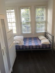 Thumbnail 5 bed flat to rent in Glengall Road, Peckham/Elephant And Castle