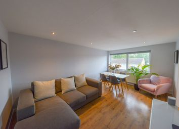 2 bed flat for sale in Cedarwood Drive, St. Albans AL4