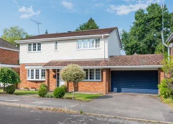 Dukes Wood, Crowthorne, Berkshire RG45. 3 bed detached house