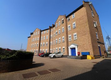 Thumbnail Studio to rent in Quayside House, Barking, Essex