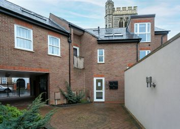 2 bed flat to rent in Percy Road, Watford WD18