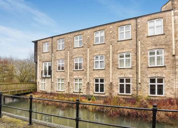 Thumbnail 3 bed flat to rent in Mill Street, Witney
