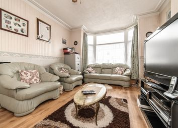 Thumbnail 5 bed terraced house for sale in Park Avenue, Mitcham