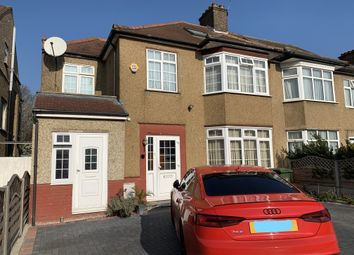 Room to rent in Pinner Park Avenue, Harrow HA2