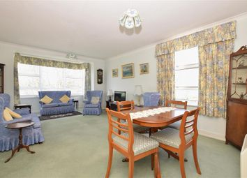 2 bed flat for sale in Grand Avenue, Worthing, West Sussex BN11