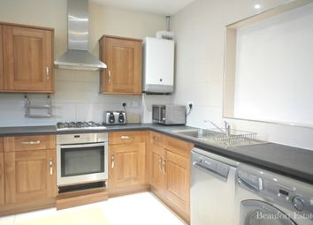 Thumbnail 4 bed flat to rent in Camden Road, Holloway