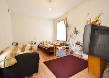 Thumbnail 2 bed flat to rent in East Barnet Road, East Barnet