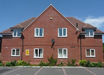 Thumbnail 2 bed flat to rent in Franklin Court, Franklin Avenue, Tadley