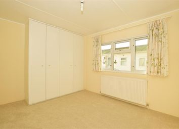 3 bed mobile/park home for sale in London Road, West Kingsdown, Sevenoaks, Kent TN15