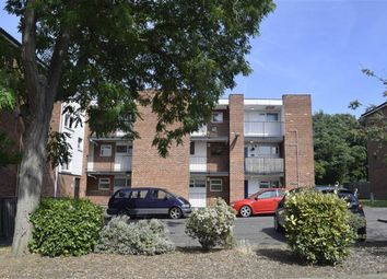 Thumbnail 1 bed flat to rent in Appleford Court, Basildon, Essex