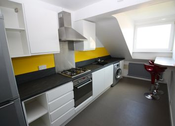 2 bed flat to rent in Longbrook Street, Exeter EX4