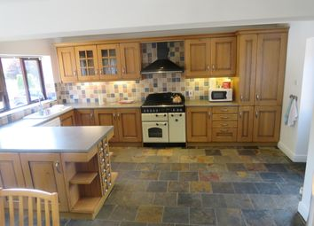 Thumbnail 5 bed bungalow to rent in Barratts Road, Wakefield