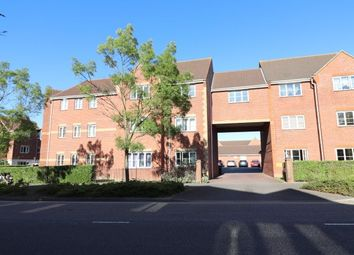 3 bed flat to rent in Galleon Road, Grays RM16
