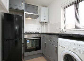 1 bed flat to rent in Gate Court, Old Palace Road, Weybridge KT13