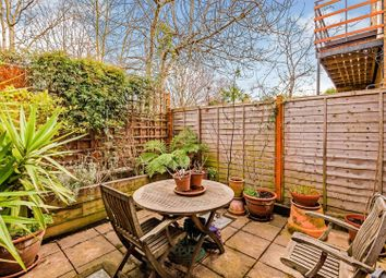 Lollard Street, London SE11. 2 bed flat for sale