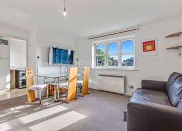 Thumbnail 2 bed property to rent in Taunton Drive, East Finchley