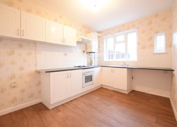 2 bed maisonette to rent in High Street, Barkingside, Essex IG6