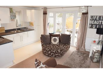 Thumbnail 1 bed maisonette to rent in Lennard Road, Sevenoaks