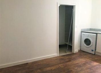 Thumbnail 1 bedroom flat to rent in Leabridge Road, London