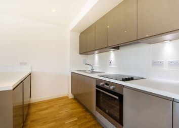 Thumbnail 1 bedroom flat to rent in Battersea Park Road, Battersea Park