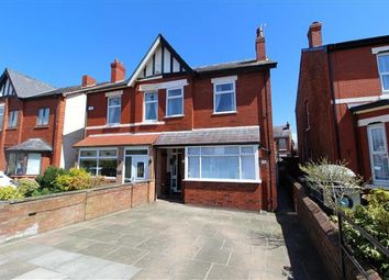 Thumbnail 1 bed flat to rent in Cypress Road, Southport